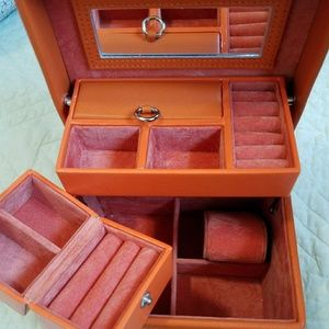 Talbots leather jewerly case